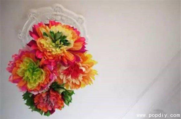 产品介绍:今天小编与大家分享一款创意纸艺DIY手工制作漂亮的渐变色皱纹纸花朵。各种颜色的穿插,给人一种渐变色的感觉,十分的华丽漂亮。将这样的花朵摆放在房间,心情想不好都难吧。喜欢的小伙伴赶快来我们易控学院DIY手工试试制作这款创意纸艺DIY手工制作的漂亮的渐变色皱纹纸花朵吧。