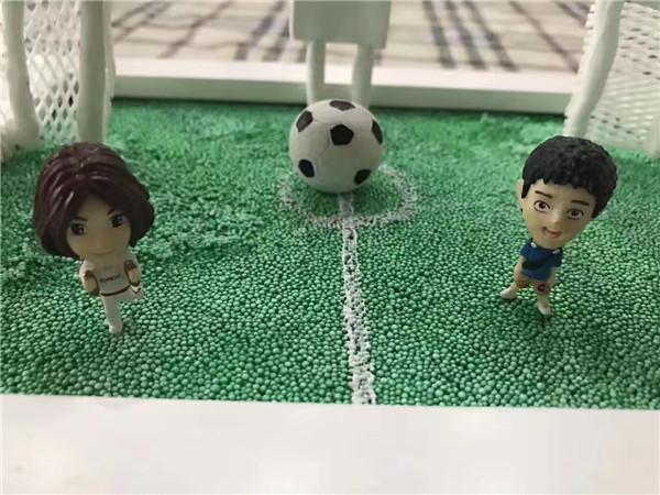 diy儿童手工制作坊分享用粘土制作的足球场