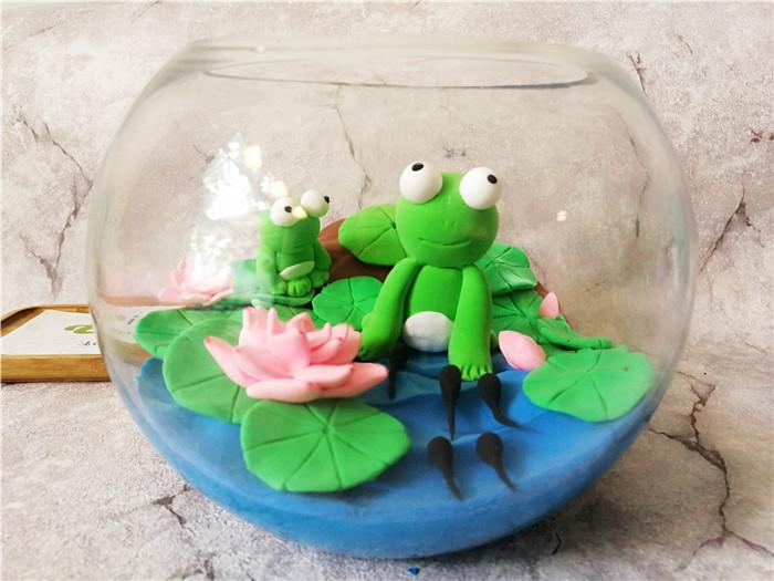 陶艺diy创意店粘土作品--可爱的小青蛙_滴蛙手工