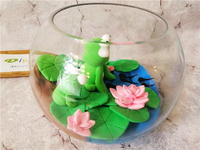 陶艺diy创意店粘土作品--可爱的小青蛙