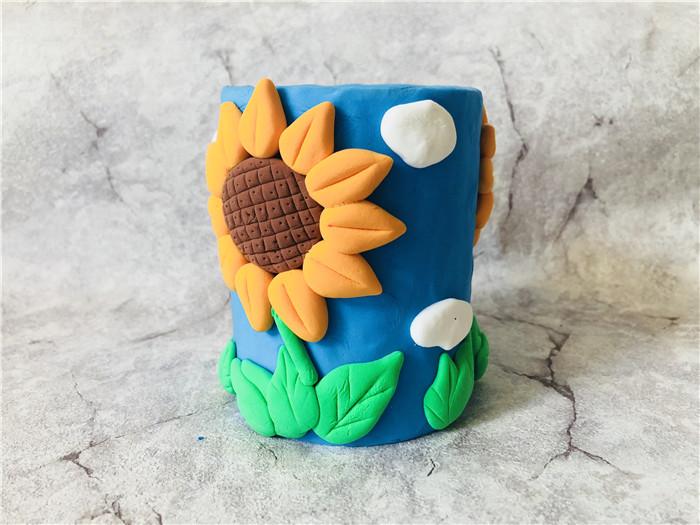 滴蛙儿童陶艺手工店粘土作品--向日葵笔筒