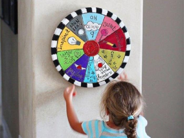 儿童手工乐园diy木工坊分享创意涂鸦飞镖转盘